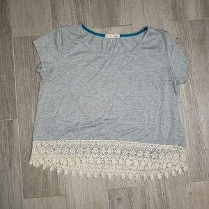 Rewind gray shirt with crocheted trim